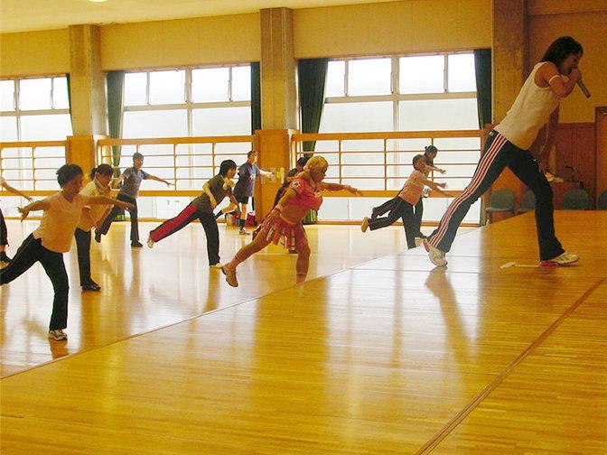 写真:エアロビクスダンス